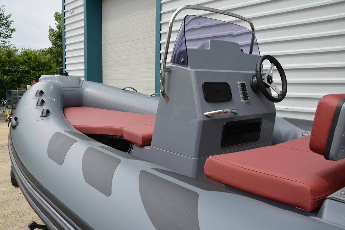 BRIG Navigator 485H - Military Grey - Console
