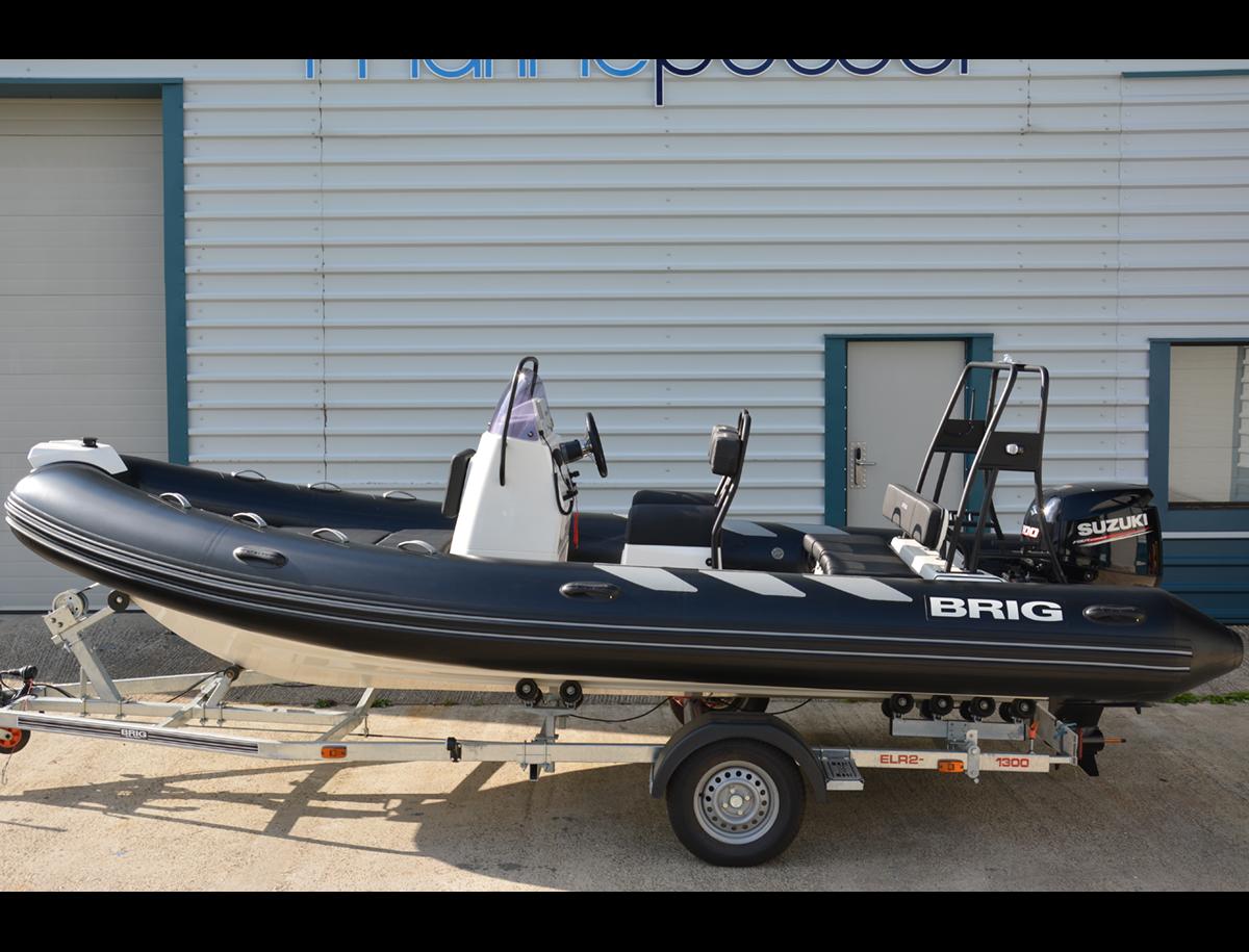 BRIG Navigator 570HJ - Black - Side