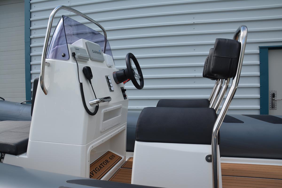 BRIG Navigator 610HJ - Military Grey - Console